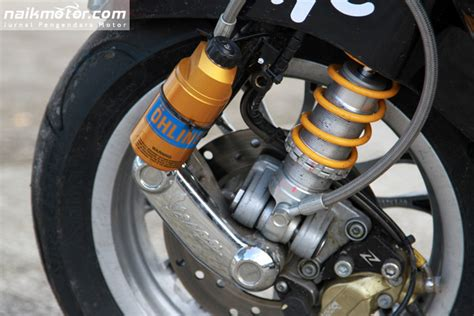 foto modifikasi vespa balap vespa balap garage modified dengan shock ohlins