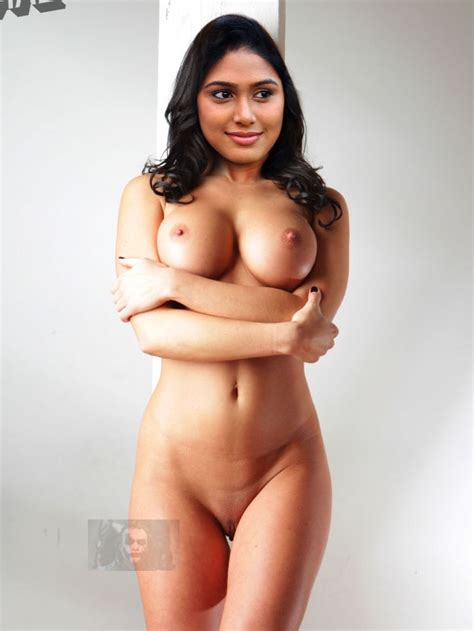 Manisha Yadav Nude Showing Shaved Pussy Bollywood X