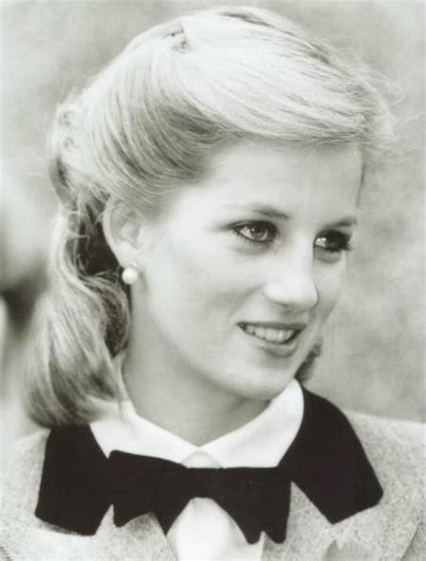 diana spencer remembering diana 20 iconic pictures of the princess of wales who remains alive in our hearts