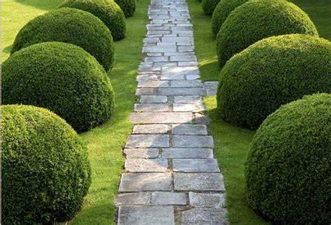 lärm im garten natursteine im garten