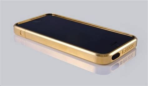 Cool Looking Speakers this solid gold iphone 5 case is the most expensive way to