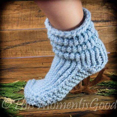 loom knit slippers best 25 slipper boots ideas on crochet