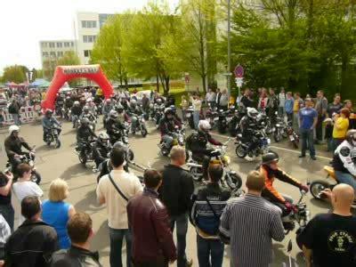 Motorrad Honda Wiesbaden by Honda Dax Monkey Treffen Wiesbaden 08