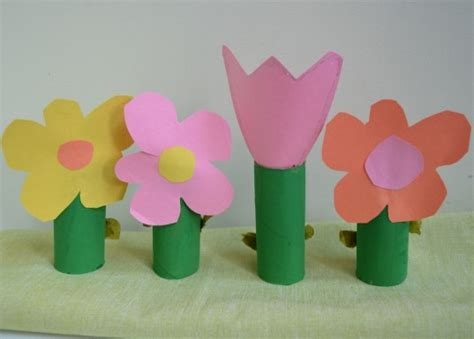 Paper Arts And Crafts For - easy crafts for with construction paper www imgkid