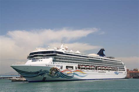 Carnival Dream Floor Plan File Norwegian Cruise Line Norwegian Spirit 02 Jpg