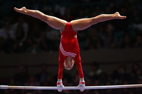 gymnastic oop shawn johnson olympic gymnastics zimbio