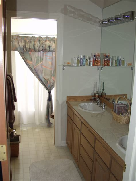 guest room bath in writer s home houses for rent in newport second floor