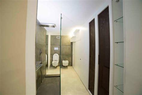 armadio bagno armadi su misura artigianali armadi in legno legnoeoltre