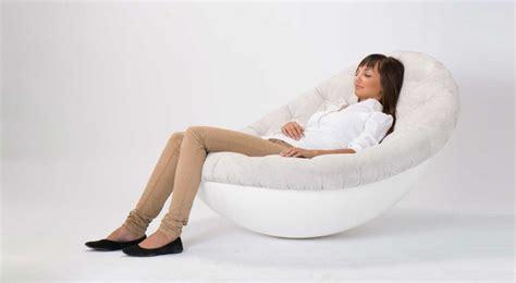 sessel bequem ein lounge sessel bietet alles stuhl sessel und bett