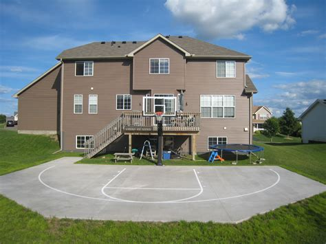 a great look at a backyard court efficient use of