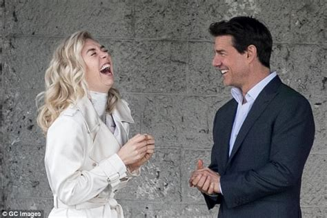 vanessa kirby is she married vanessa kirby leaps into boyfriend callum turner s arms