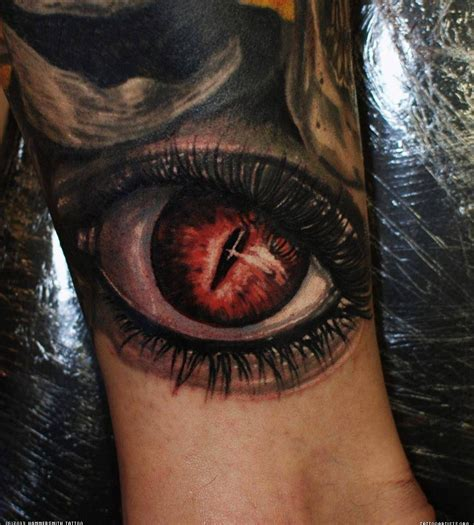 red eye tattoo ink 3d eye on leg