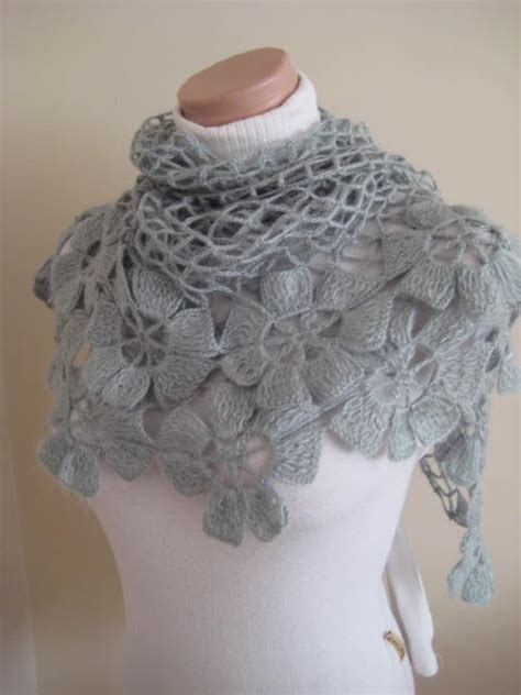 Jaket Flores Is Awesome crochet shawl picmia