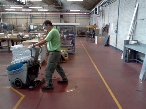 macchina per lavare i pavimenti attrezzature per la pulizia soltur srl
