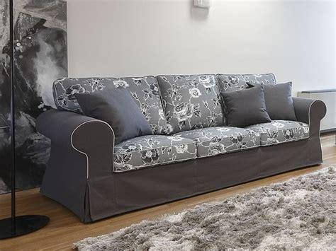 sofa mit zwei ottomanen alba klassisches 2 sitzer maxi 2 sitzer oder 3 sitzer