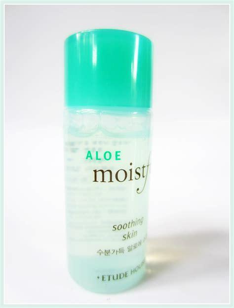 Jual Etude House White Moistfull Skincare Kit etude house aloe moistfull skincare kit two thousand