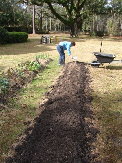 digging bed cowlick cottage farm no dig garden beds