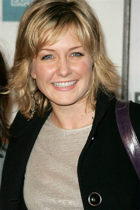 lindas hairstyle on blue bloods amy carlson photos 15 superiorpics com