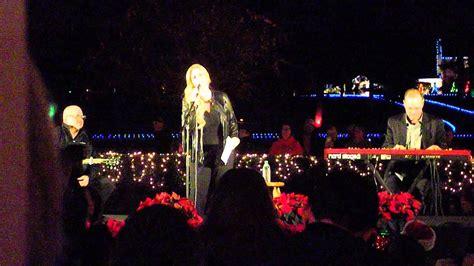 graceland lights trisha yearwood singing at 2015 lighting of
