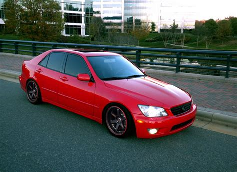 lexus is300 red need some help here anyone paint this car red for me