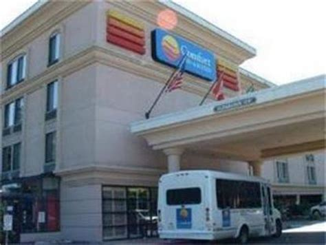 Comfort Inn And Suites Seattle by Comfort Inn And Suites Sea Tac Seattle Deals See Hotel