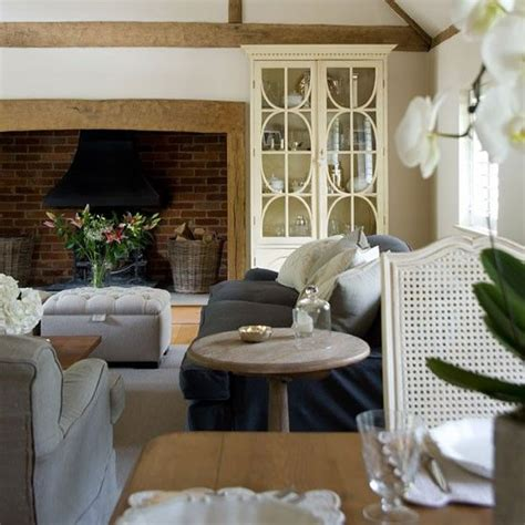 country homes and interiors 25 best ideas about modern cottage style on