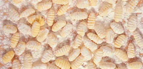 gnocchi fatti in casa gnocchi di patate fatti in casa la ricetta originale leitv