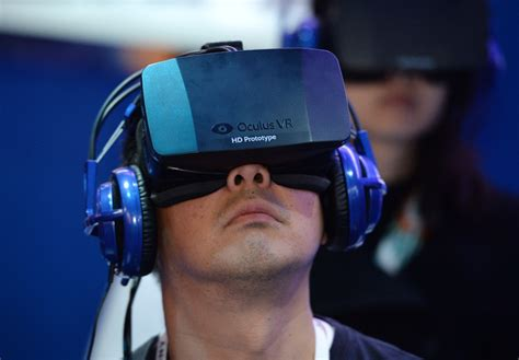 Headset Reality Oculus Rift by Samsung Reality Headset Might Beat Oculus Rift