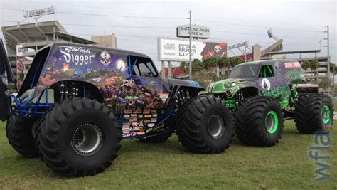 son of grave digger monster truck son uva digger and grave digger monster trucks pinterest
