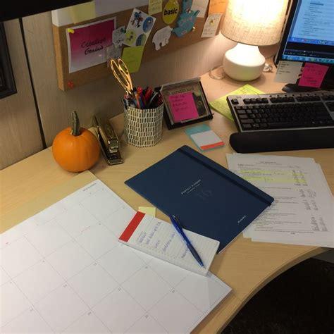 ataglance com desk calendars 14 best five fan favs images on back to