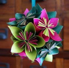 Cool Origami Flowers - these origami flowers look cool maybe eventually