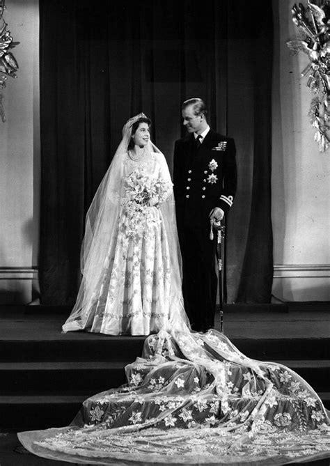 queen s braut queen elizabeths brautkleid die lieben royals