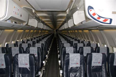boeing 737 cabin file 737 300 cabin jpg wikimedia commons
