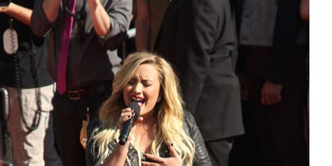 demi lovato x factor auto tune demi lovato criticised for using auto tune in x factor