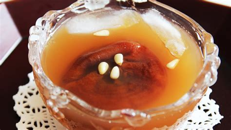 persimmon punch korean dessert sujeonggwa 수정과