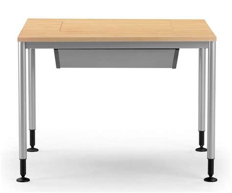 tavoli pc tavolo con piedi regolabili porta pc a scomparsa idfdesign