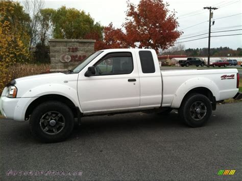 white nissan frontier 2003 nissan frontier xe v6 king cab 4x4 in avalanche white