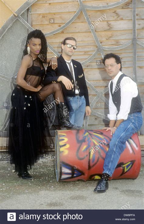 house music 1990s black box italalian house music group about 1990 with katrin quinol stockfoto