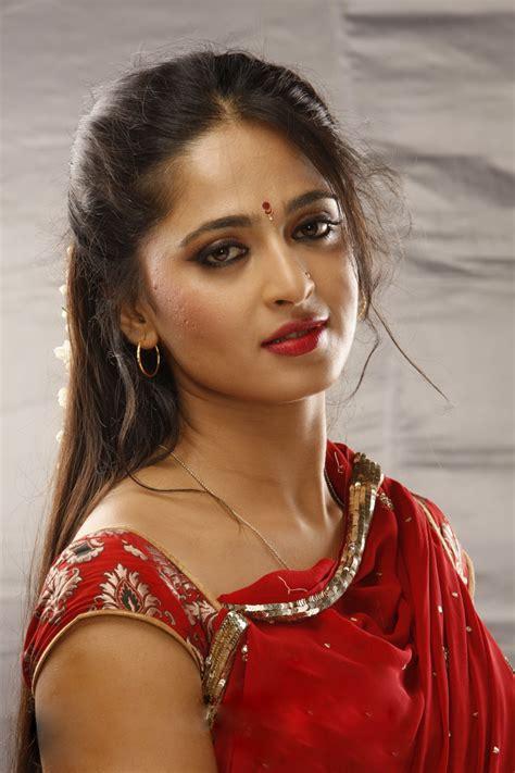 film hot bollywood terbaru hot south indian actress anushka shetty hot in red saree