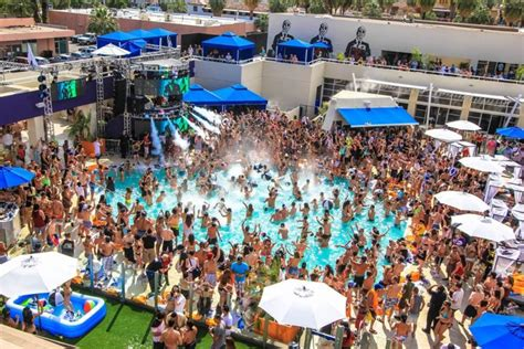 theme hotel palm springs dayclub palm springs returns to the hilton with skrillex
