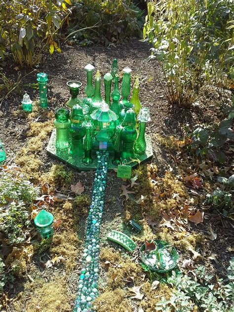 Emerald City Garden by 1000 Images About Garden Of Oz On Gardens