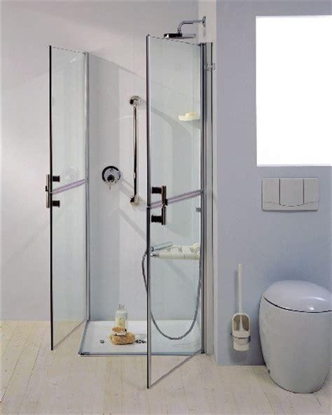 accessori doccia per disabili doccia bagno disabili anziani apertura maniglie seduta
