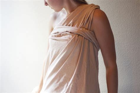 bed sheet toga how to make a simple girl toga out of a bed sheet