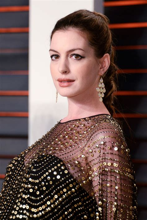 anne hathaway � 2016 vanity fair oscar party in beverly