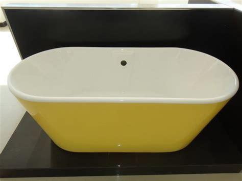 colored bathtubs adorable modern colored bathtub for small bathroom homesfeed