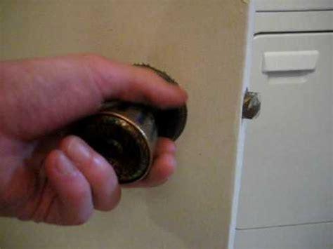 How To Unlock Bathroom Door With Bobby Pin by Pinhole Door Knob Unlock With Pin