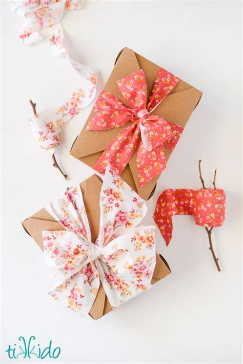 how to best store christmas bows 15 tempting ways to make bows for your gifts