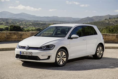 volkswagen e 2017 volkswagen e golf review now with 200 kilometers
