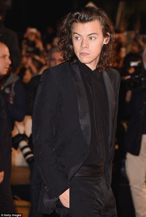 how old is harry styles 2015 harry styles could become the next james bond daily mail