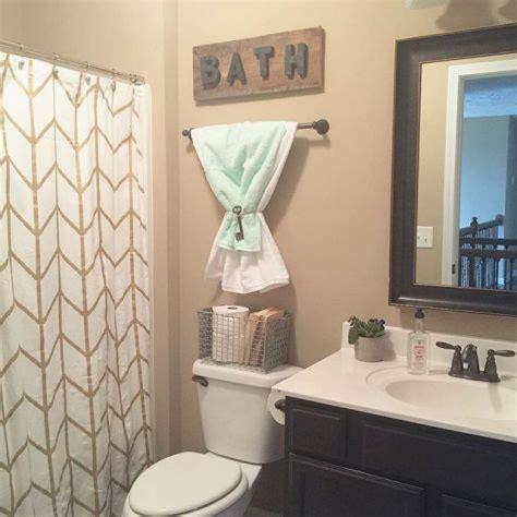 bathroom decor ideas college apartment kitchen decorating ideas decor bathroom